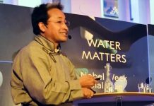 Sonam Wangchuk making a presentation about Ice Stupa during award ceremony of Nobel prizes at Stockholm.