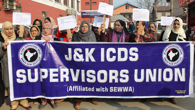 ICDS Supervisors Union staging a protest in Srinagar. -Excelsior/Shakeel
