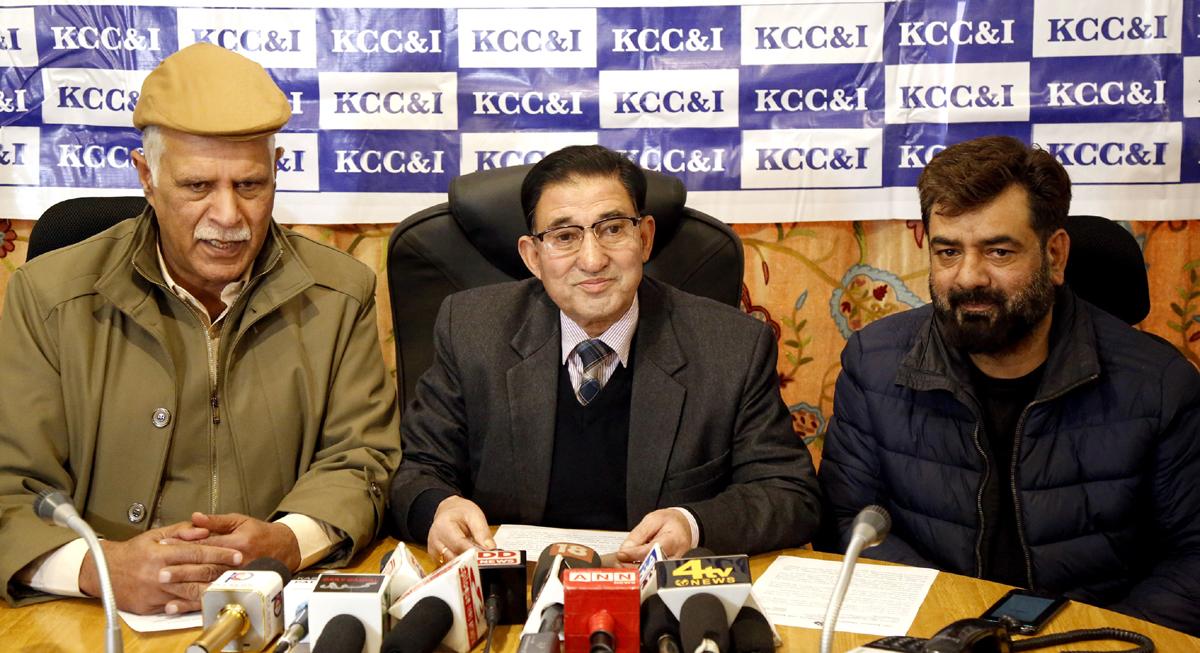 Kashmir Chamber of Commerce addressing press conference in Srinagar on Thursday. —Excelsior/Shakeel