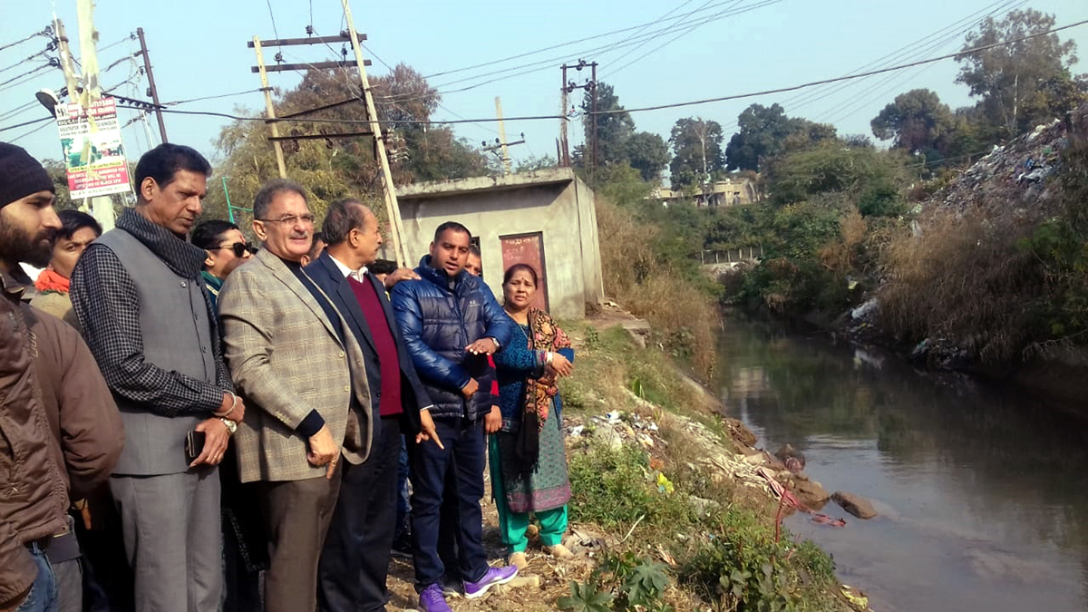 Former Deputy CM, Kavinder Gupta inaugurating ladies bathing ghat at Gorkha Nagar on Sunday.