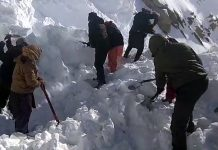 Rescue operation at Khardung La on Friday. -Excelsior/Morup Stanzin
