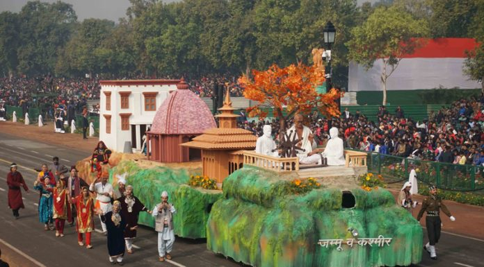 Jammu and Kashmir tableau participating at Republic Day parade rolling down the Rajpath during dress rehearsal in Delhi on Wednesday. (UNI)