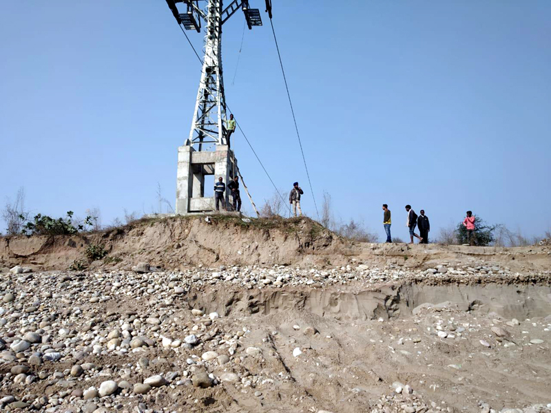 A view of illegal extraction by mafia near Tower No. 4 of Jammu Ropeway Project on Tawi River bed. —Excelsior/Rakesh