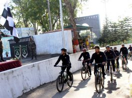 Cyclists being flagged in by Lt Gen Paramjit Singh at Nagrota in Jammu on Monday.