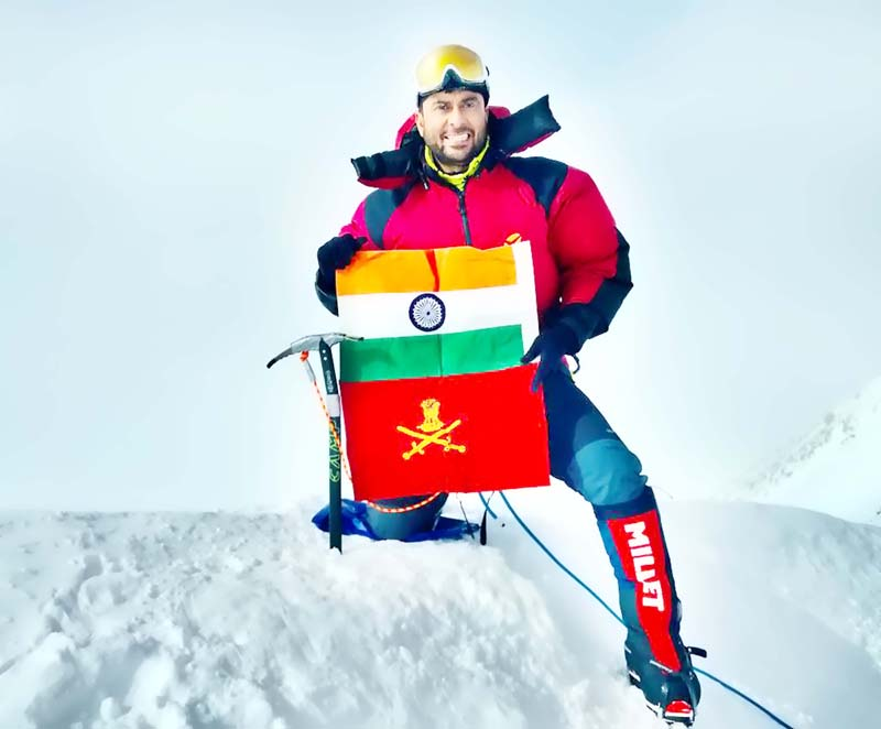 Colonel Ranveer Jamwal scaled Mount Vinson in Antarctica. Despite adverse wind and climatic conditions the officer sumitted.