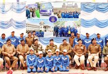 Children posing along with CRPF officers & officials after returning from Bharat Darshan Tour.
