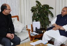 Governor Satya Pal Malik meeting Justice (retd) M K Hanjura on Friday.