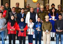 Governor, S P Malik posing for photograph with CRPF role Models in Jammu.