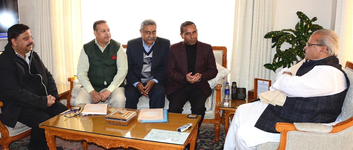 Governor meeting delegation of Laghu Udyog Bharti.