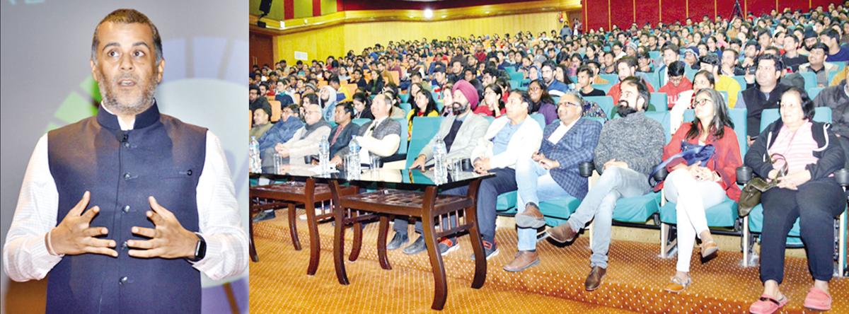 Chetan Bhagat delivering talk at SMVDU.
