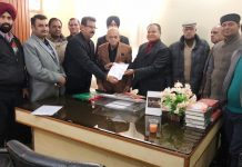 A delegation meeting Jeet Lal Gupta, Chairman of State Commission for Backward Classes at Jammu on Thursday.