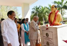 President, Ram Nath Kovind offering floral tributes at the bust of Sardar Vallabhai Patel at Akshara Vidyalaya, in Nellore, Andhra Pradesh on Friday.