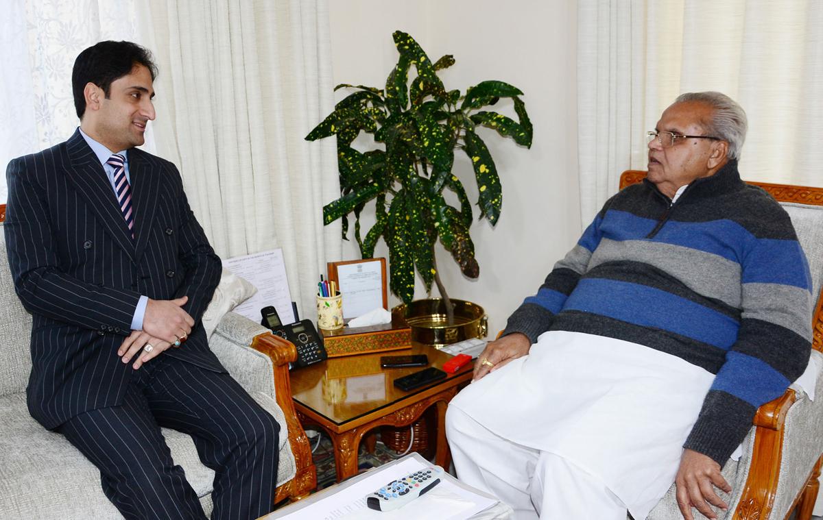 Mayor SMC Junaid Azim Mattu meeting Governor SP Malik on Thursday.