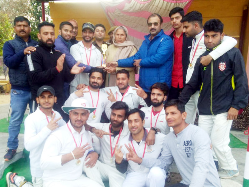 Winners posing along with chief guest, Ranjeet Kalra and other dignitaries on Monday.