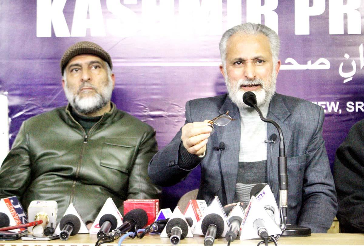 CCAK leader addressing a press conference on Friday. -Excelsior/Shakeel