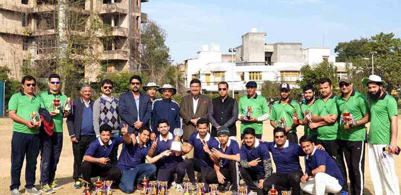 Winners of Super Sixes Cricket Tournament posing along with dignitaries.