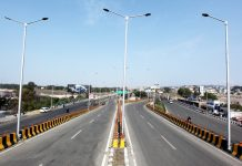 Deserted roads in Jammu on second day of curfew on Saturday. —Excelsior/Rakesh