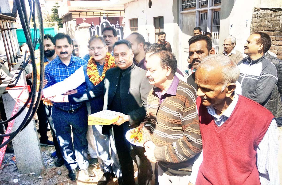 Former Deputy CM, Kavinder Gupta inaugurating transformer at Nanak Nagar on Sunday.