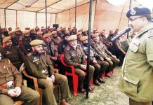 DGP Dilbagh Singh addressing jawans at DPL Pulwama.
