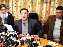 Representatives of trade bodies at a joint press conference. -Excelsior/Shakeel