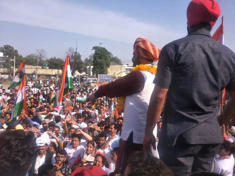 Ex-MP Ch Lal Singh addressing a large public rally at Kathua.