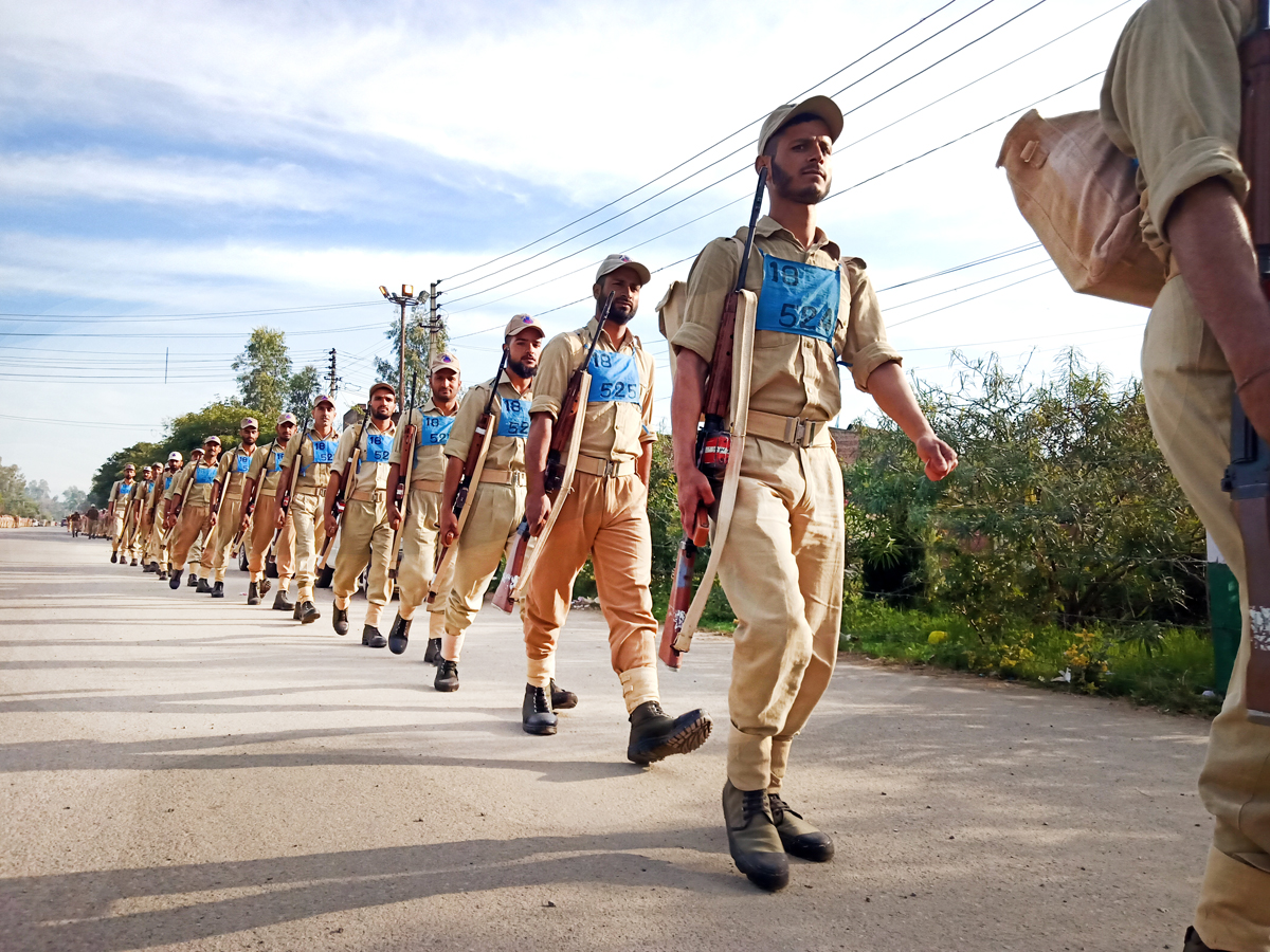 Police trainees of SPS School Kathua taking out route march on Saturday. -Excelsior/Bhat