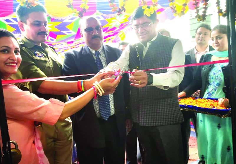Sanjay Sharma, Field General Manager, Delhi Zone alongwith Saroj Dash, Regional Head, Jalandhar Region and others inaugurating Union Bank of India branch at Katra.