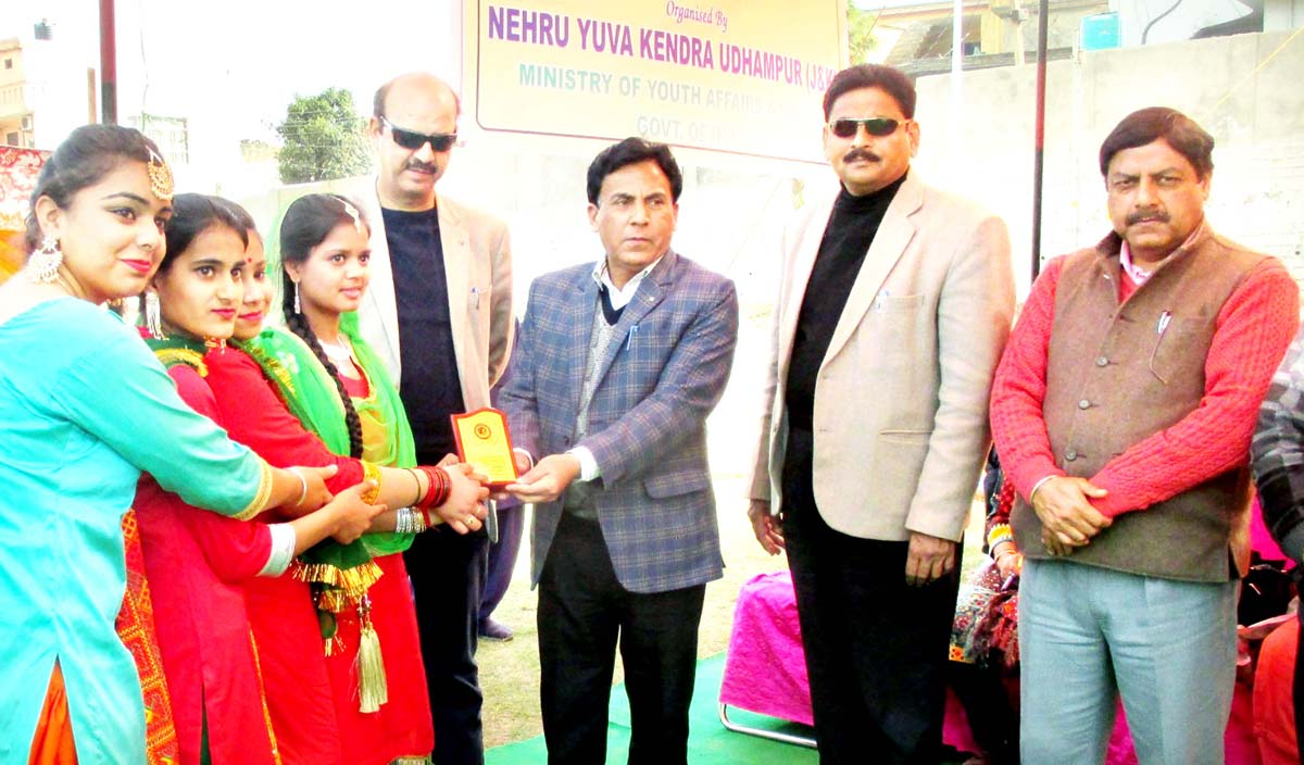 Winners being felicitated by the dignitaries during the concluding ceremony of District Level Tournament organised by NYK in Udhampur.