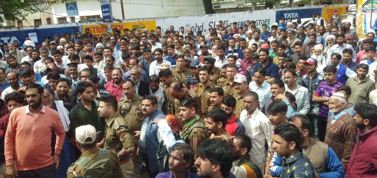 People protesting against police in Mendhar on Saturday.
