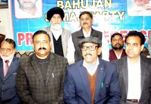 BSP State unit president, SR Majotra addressing press conference in Jammu on Tuesday. -Excelsior/Rakesh