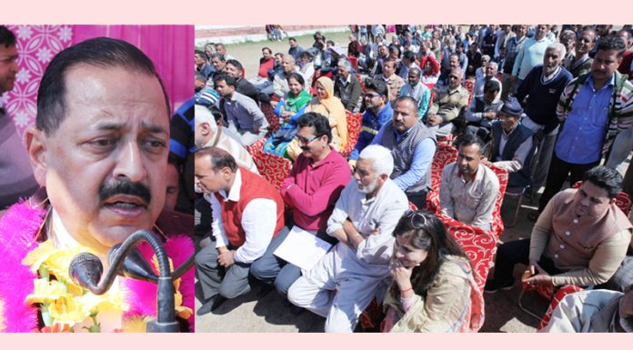 Union Minister, Dr Jitendra Singh addressing a public meeting at Hiranagar after laying the foundation stone of new Hiranagar bridge on Wednesday. —Excelsior/Rakesh