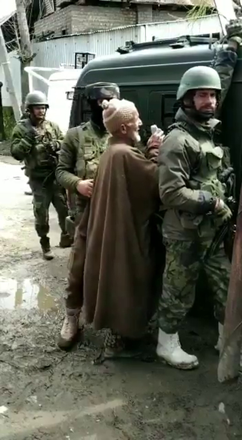 Villager making an appeal to militants to release a child held hostage by them at Hajin.