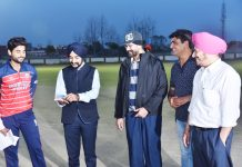 DC Kapurthala, DPS Kharbanda along with other dignitaries during toss time.