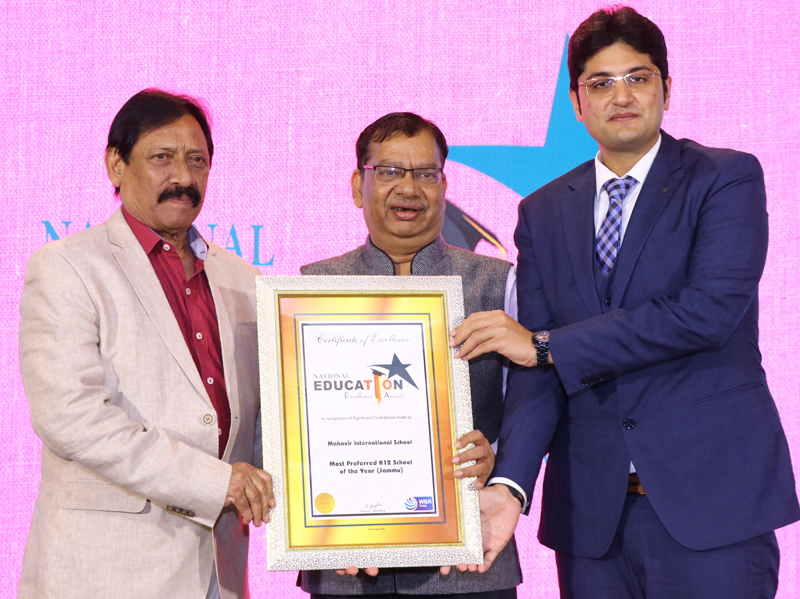 Gourav Abrol, Director MV International School receiving prestigious Award from UP Minister Chetan Chauhan and other dignitary in Delhi.