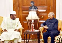 Prime Minister of Republic of Guinea, Dr. Ibrahima Kassory Fofana calling on the President, Ram Nath Kovind, at Rashtrapati Bhavan, in New Delhi on Monday.