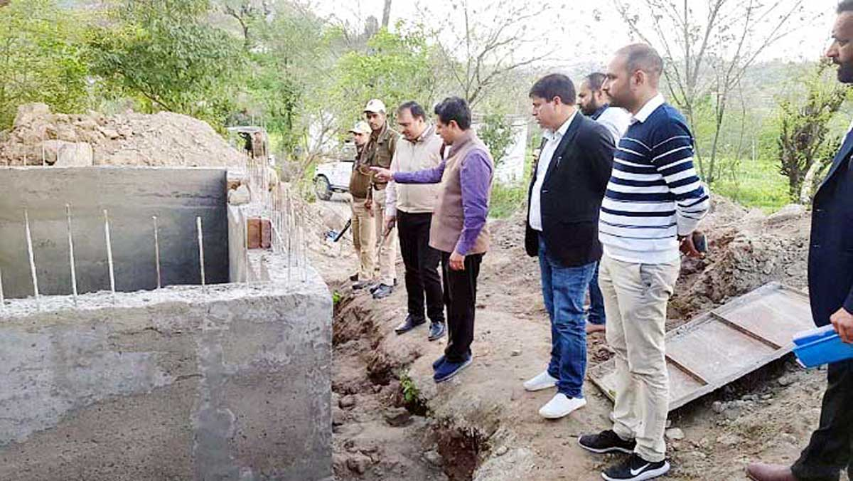 Divisional Commissioner Sanjeev Verma inspecting bunker in border area of Rajouri.
