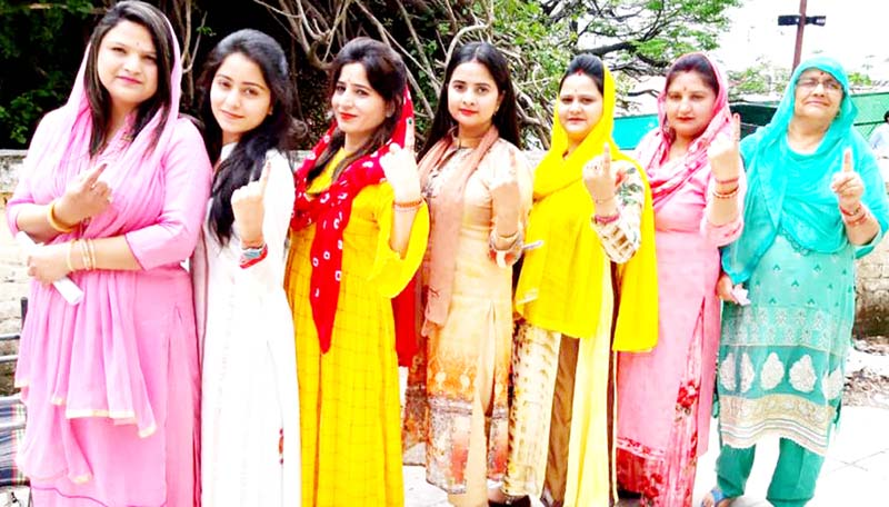 Enthusiastic voters at Katra. -Excelsior/Karandeep