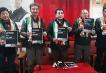 DCC Leh, president Tsering Namgyal flanked by MP candidate Rigzin Spalbar releasing party manifesto on Thursday. —Excelsior/Morup Stanzin