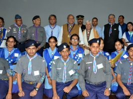 Governor Satya Pal Malik posing with Rajya Puraskar awardees. -Excelsior/Rakesh