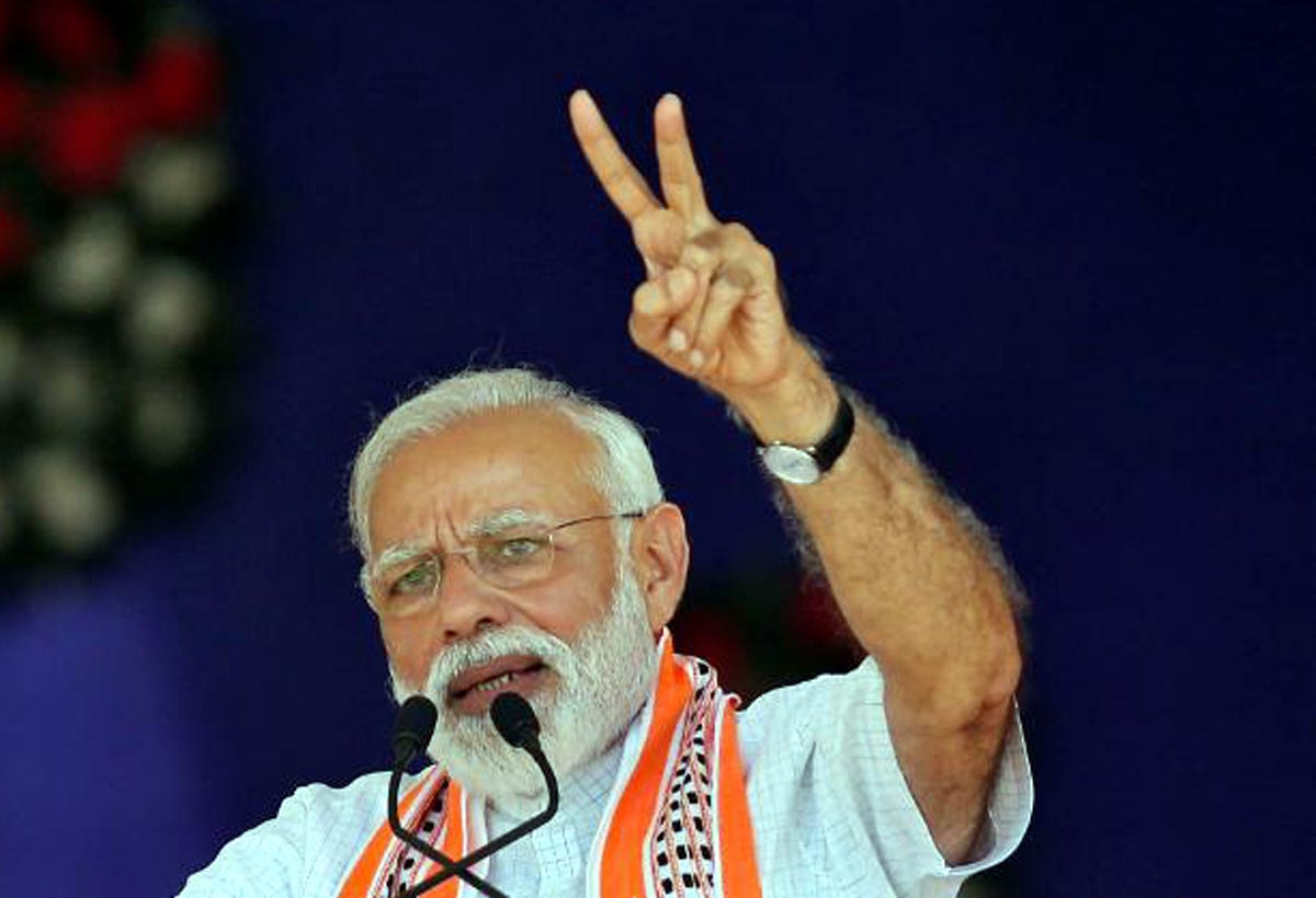 Prime Minister Narendra Modi addressing a rally at Junagadh in Gujaraton Wednesday.