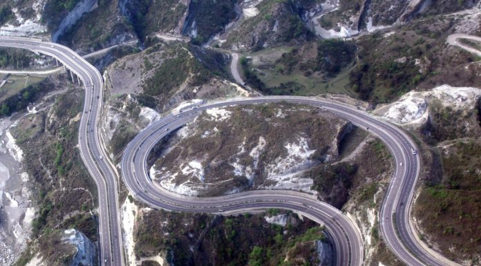 A magnificent aerial view of Jammu-Srinagar National Highway. —Excelsior/Rakesh