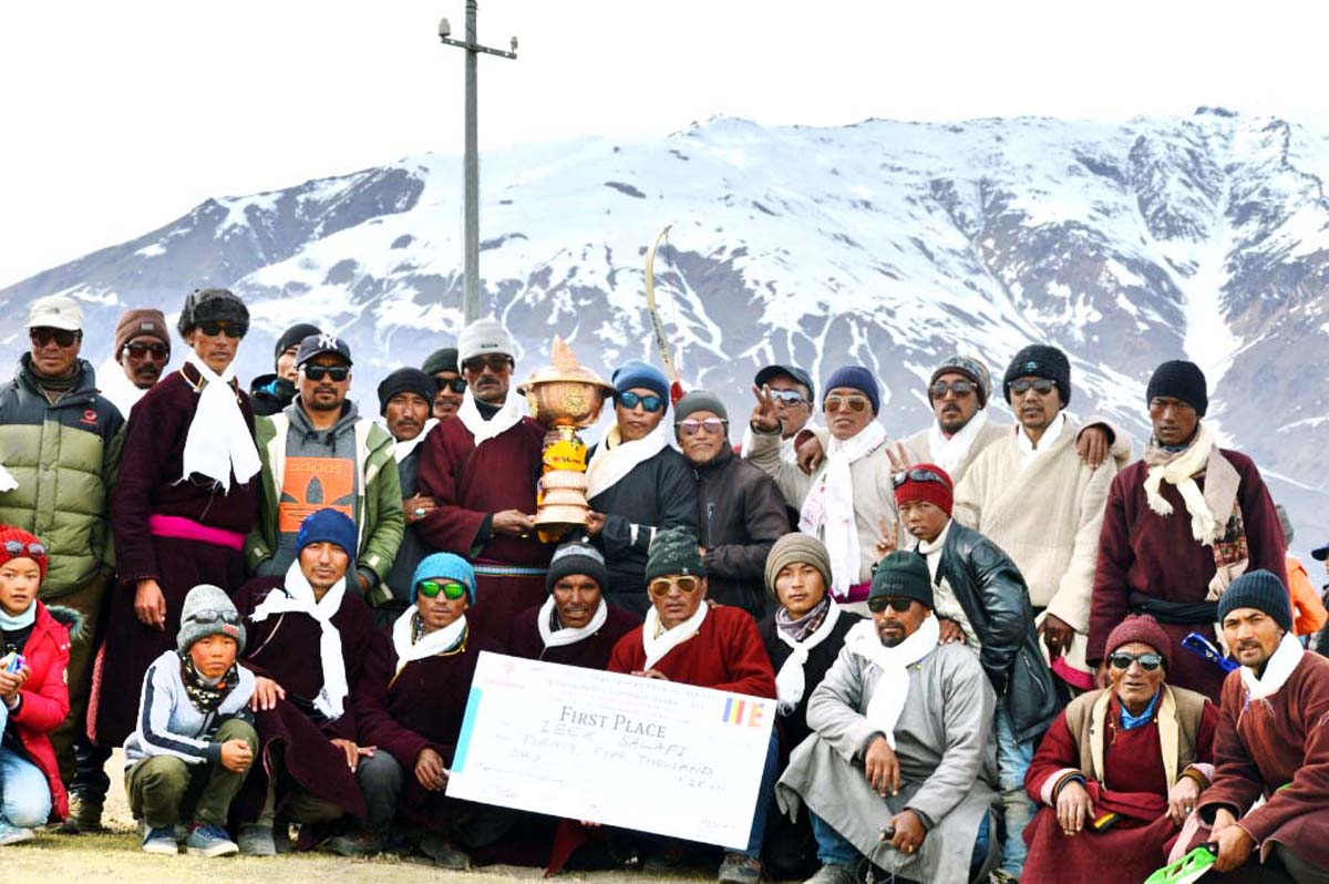 Winners of Archery Tournament posing along with chief guest and other dignitaries at Zanskar.