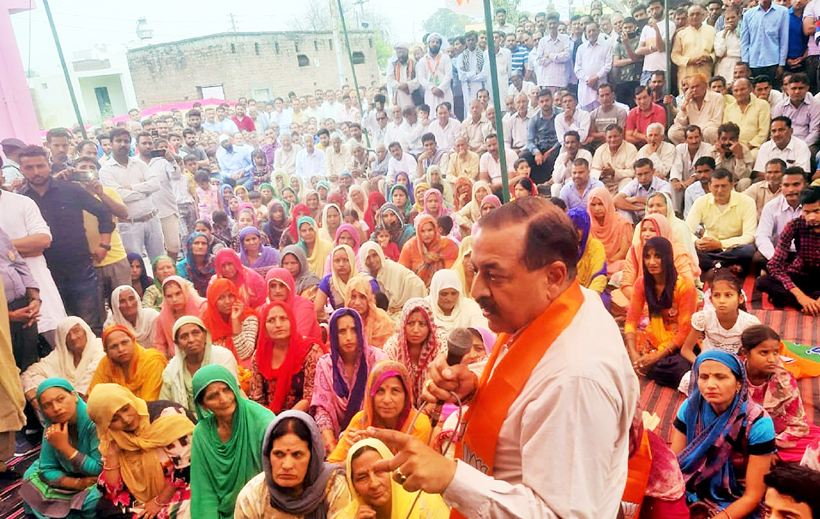 Union Minister Dr Jitendra Singh campaigning in the suburbs of Hiranagar and Kathua Assembly segments, on Saturday.