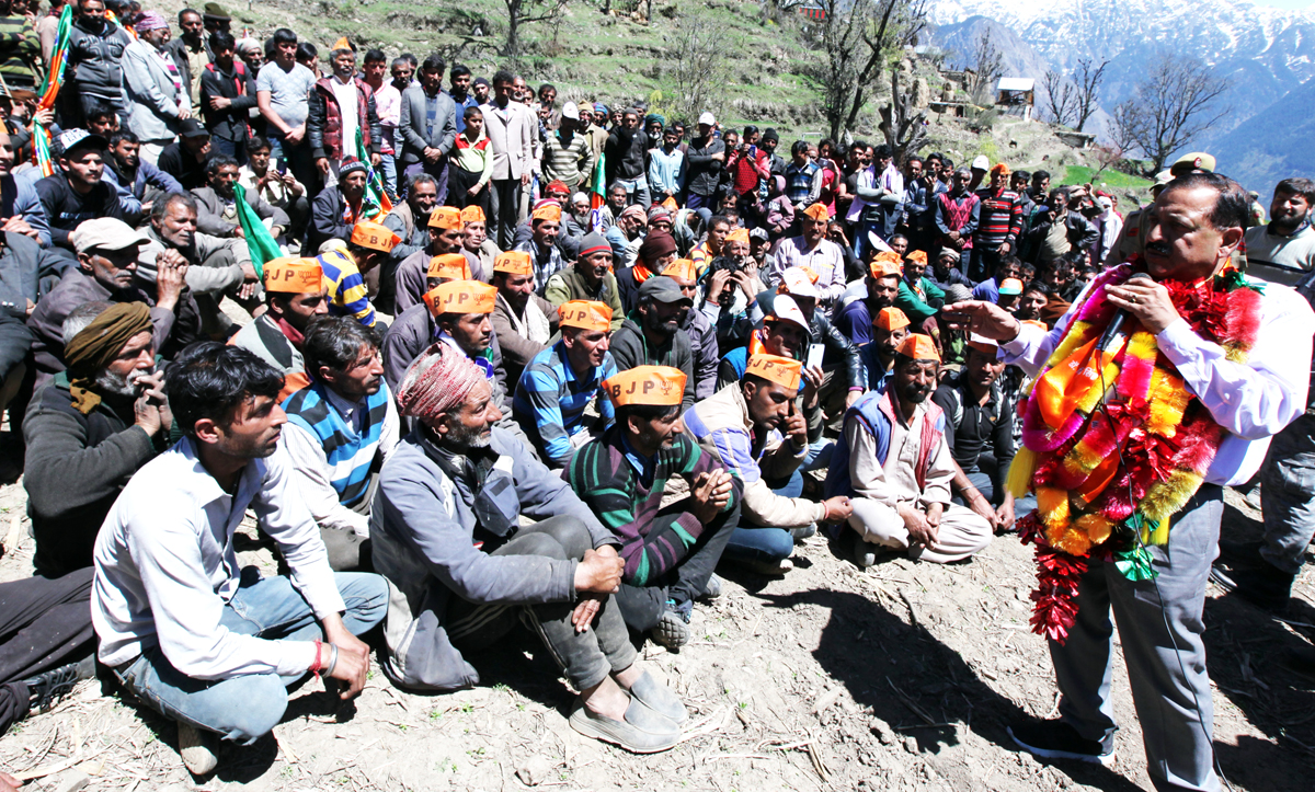 Union Minister, Dr Jitendra Singh addressing an election rally in remote area of Kuntwara in Inderwal Assembly segment on Tuesday. -Excelsior/Rakesh