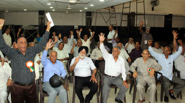 State Government pensioners during a protest at Jammu on Tuesday. —Excelsior/Rakesh