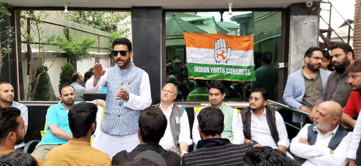 A Congress leader addressing an election rally in Anantnag on Monday.