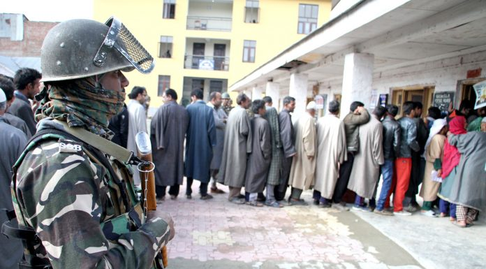 Brisk polling witnessed at Gund Hasi Bhat polling station in Lawypora area on the outskirts of Srinagar on Thursday. —Excelsior/Shakeel