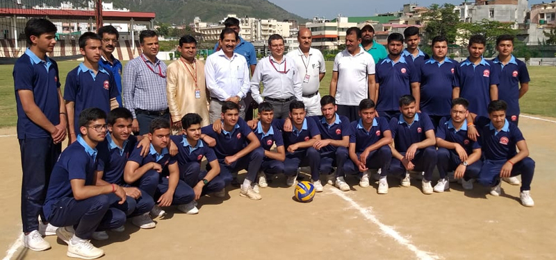 Participating teams posing with Deputy CEO of SMVDSB at Katra in Reasi on Monday.