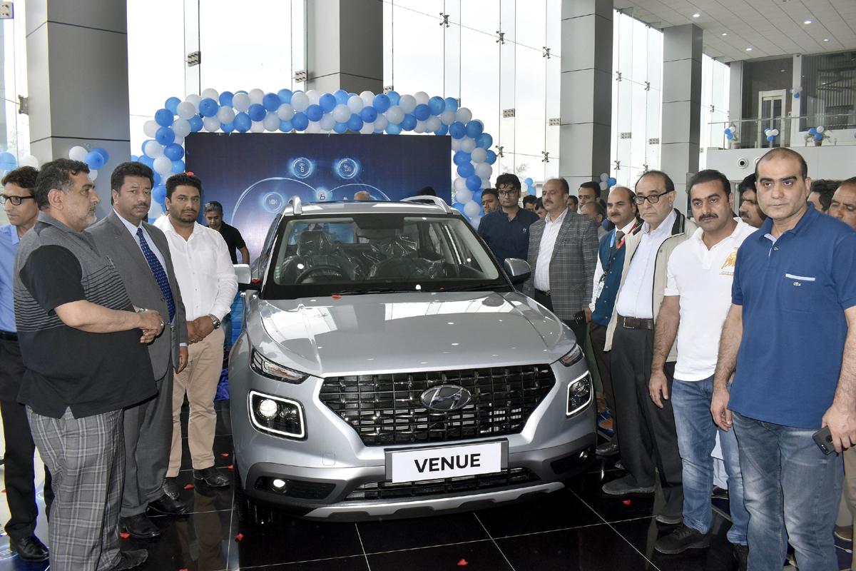 Officials of J&K Bank and others launching Hyundai Venue at Arise Hyundai, Srinagar.