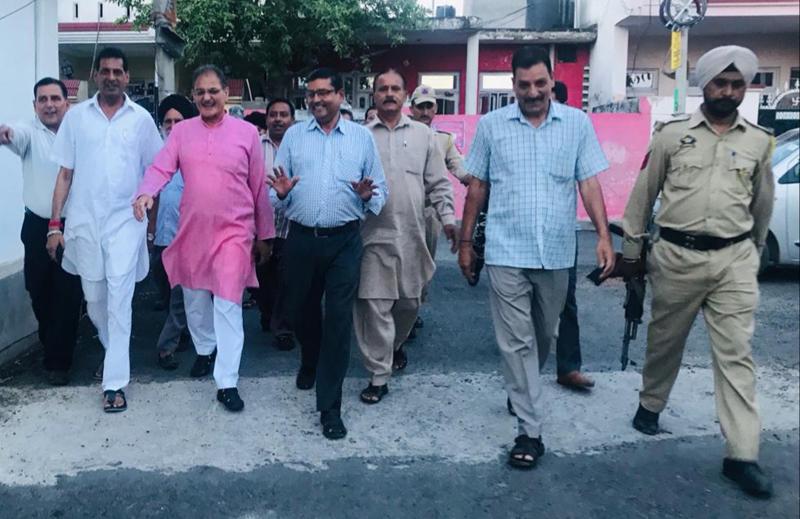 Kavinder Gupta touring Gandhi Nagar constituency on Thursday.